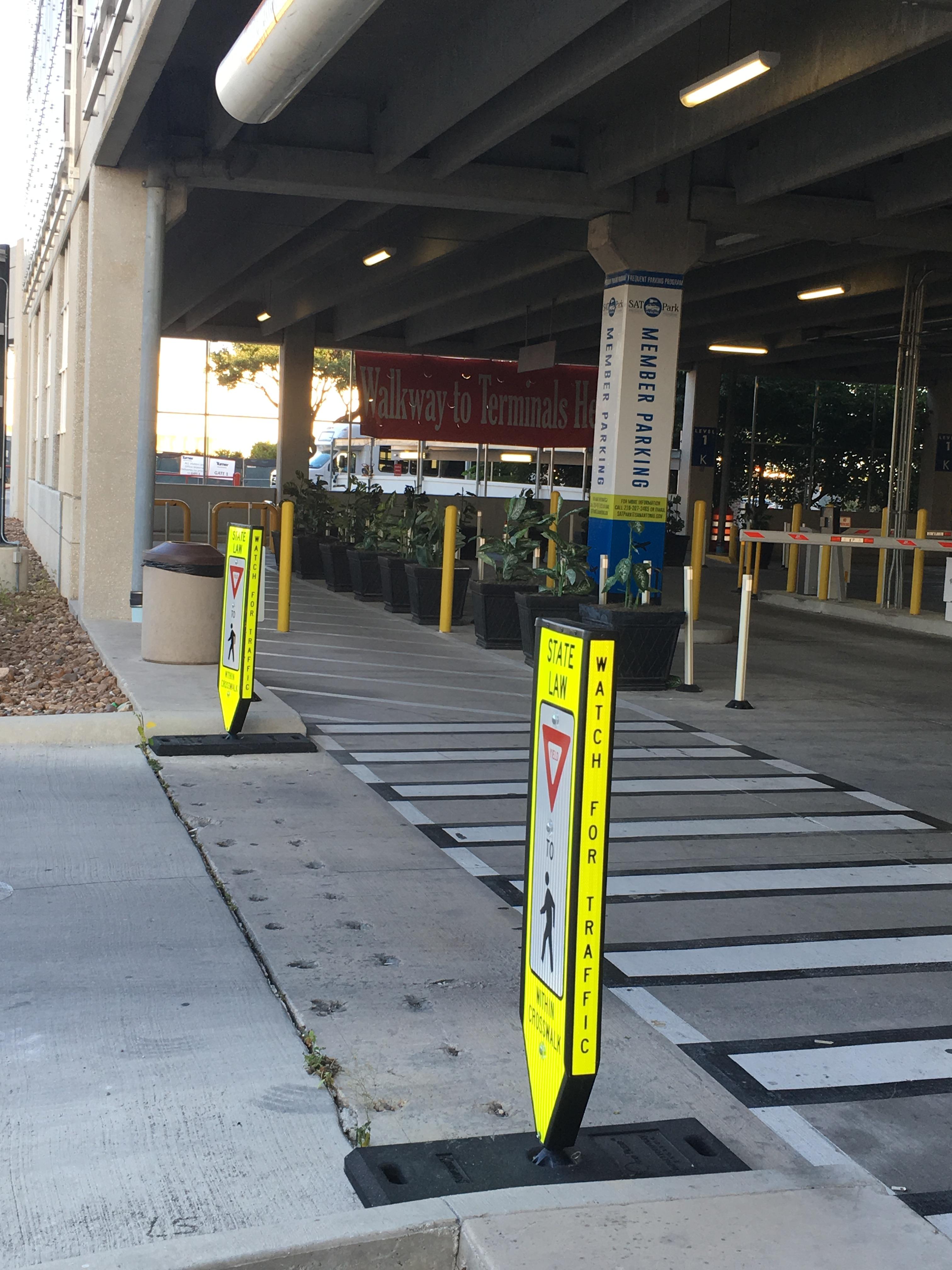 Omni-Ped® Pedestrian Signs